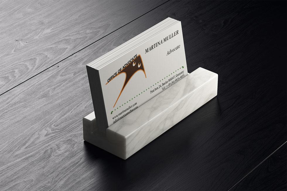Цена разработки дизайна визитки адвоката Мартины Мюллер